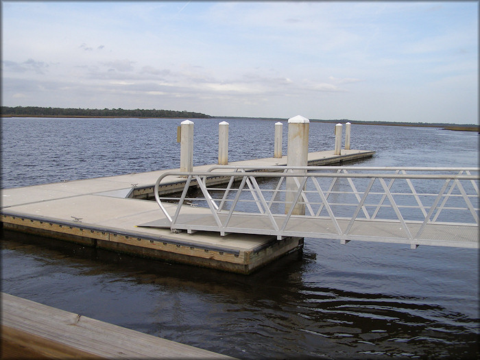Floating Dock at Palms Fish Camp and Boat Ramp (Clapboard Creek)